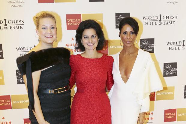 Amanda Cook, Jennifer Wright, Helene Sayad