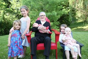 Adron Floyd with his great-grandchildren Tess, Jane, William and Addie Kramer, and Carter Furniss