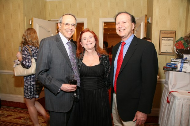 Dr. James Bobrow, Barb and Dr. John Perlmutter