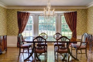 Log Cabin Drive, 24_dining room.jpg