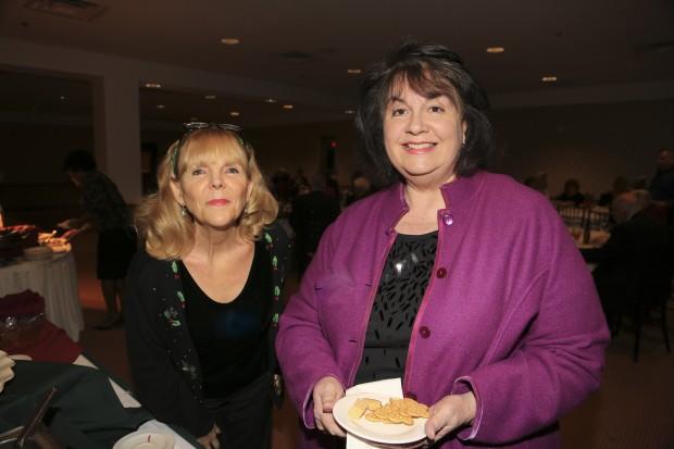 Diane Haneklav, Pam Niehaus