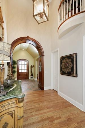 2-6 Briarbrook Trail-Foyer.jpg