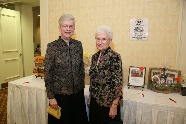 Lois Puchta, Shirley Kunz