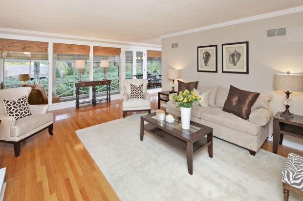 113 Hawthorne Estates-Family Rm 2.jpg