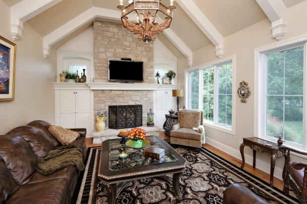 9-6 Briarbrook Trail-Hearth Rm.jpg