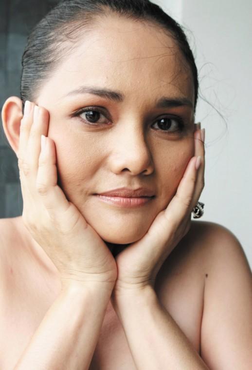 Aesthetica-face-ring.jpg