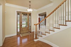 783 Mason Road_foyer.jpg