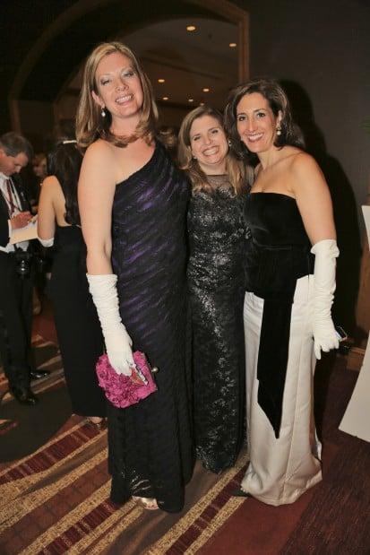 Kellie Hynes, Caroline Korybut, Laura Villa