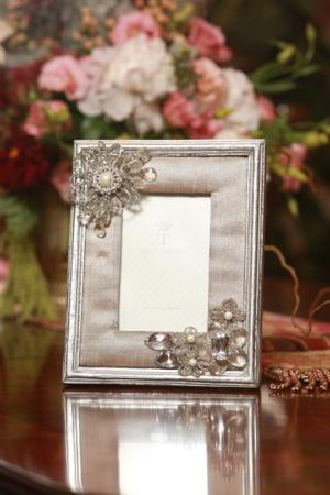 Two's Company photo frame