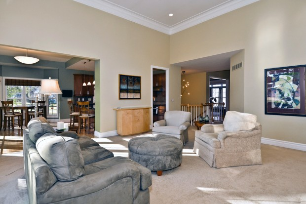 Meadowbrook Country Club Estates 376_great room 01.jpg