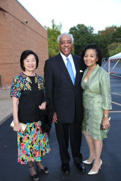 Ching Ling Tai, Lynn Beckwith Library Board President, Leonor Buchanan