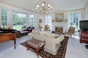 DP_AppleTree living room.jpg