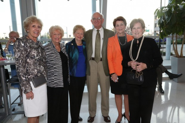 Sandy Smith, Jeanne Callahan, Betty Telthorst, Bill Smith, Carol Fujita, Frieda Kaemmerlen