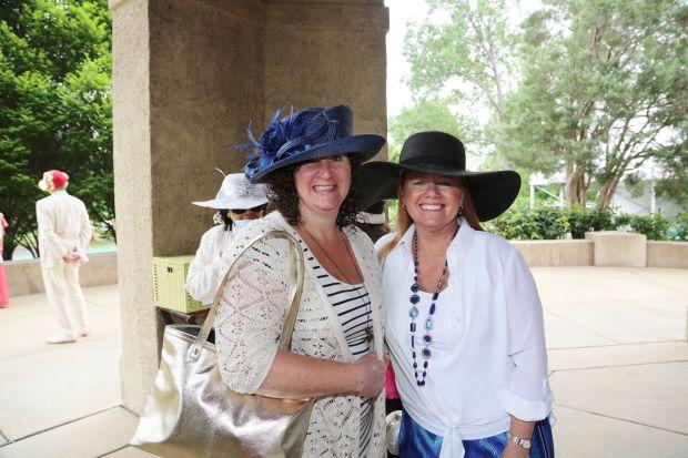 Debbie Harris, Donna Mellinger