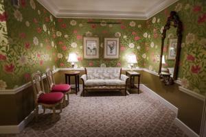 Saint Louis Club Ladies' Room