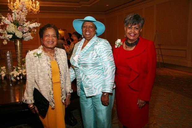 Mary Tillman, Jean Neal, Carol Weir