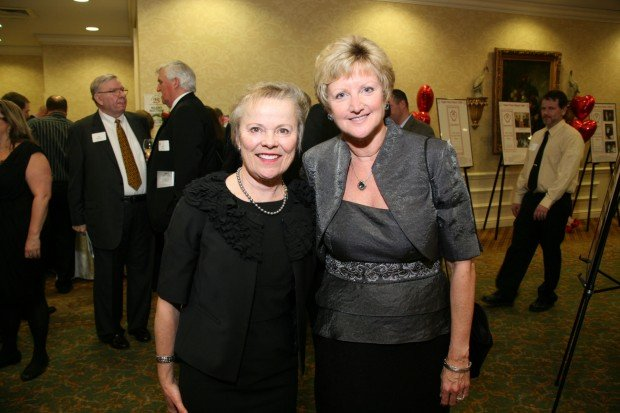 Lynette Zuch, Julie Rhodes