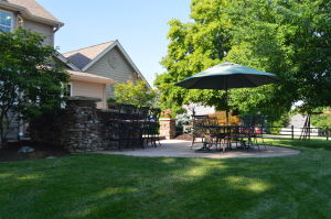 Outdoor Kitchen by Chesterfield Valley Nursery
