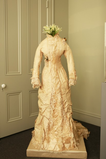 Wedding dress, 1898
