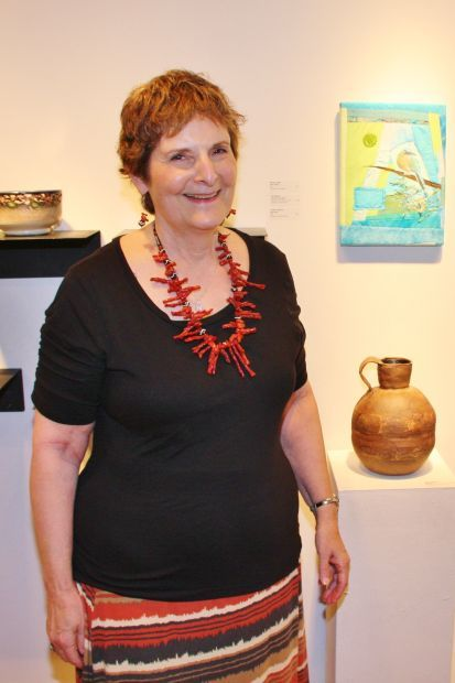 Helene Gottesmann with her pottery piece