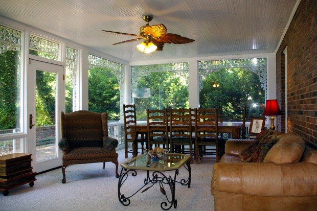 Log Cabin Drive, 24_family room.jpg