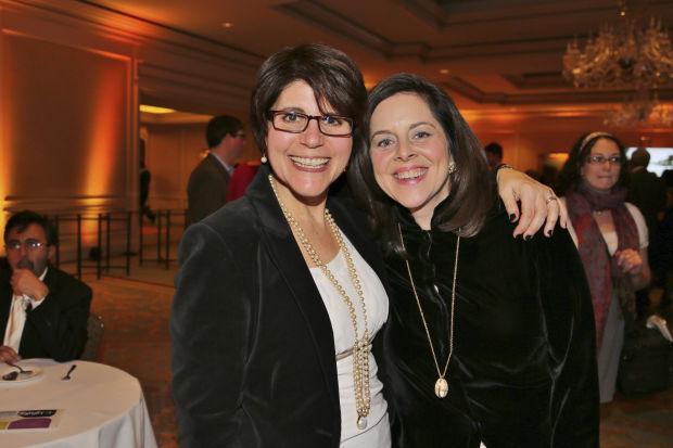 Stephanie Abbajay, Sarah Melinger