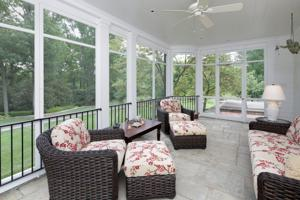 Clermont Lane - 18 - Screened Porch.jpg