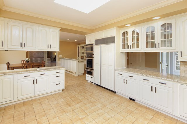 kitchen 1 copy.jpg