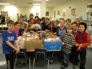 when_Chesterfield Day School 2nd and 3rd graders St. Patricks Center Sandwiches.jpg