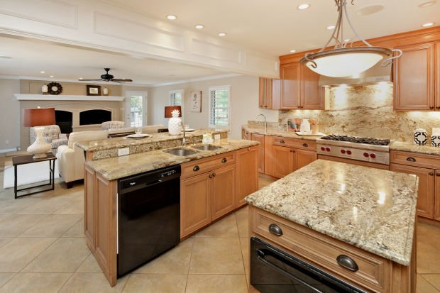 113 Hawthorne Estates-Kitchen.jpg