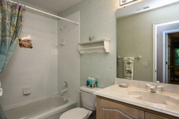 bathroom-p642420.jpg