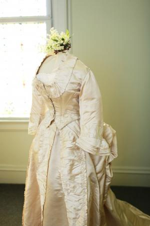 Wedding dress, 1871-1872