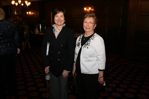 Suzanne Pratl, Vicki Kearney