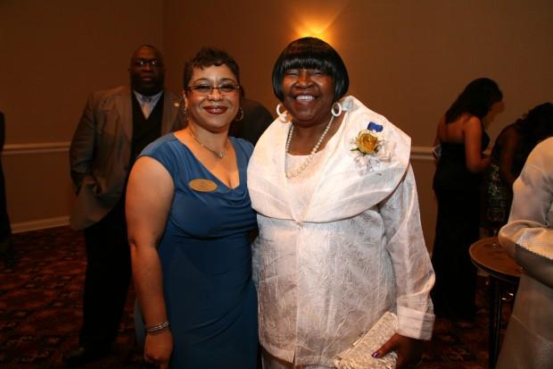 Patricia Bynes, Martha Davis