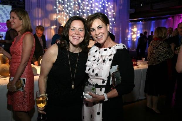 Sarah Melinger, Cindy Murdoch