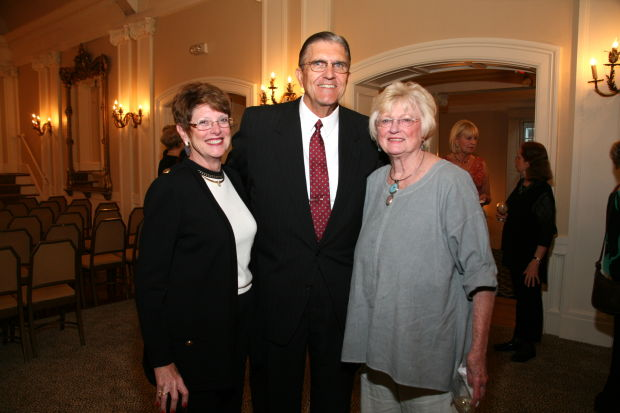Barb and Dave Gifford, Peggy Symes