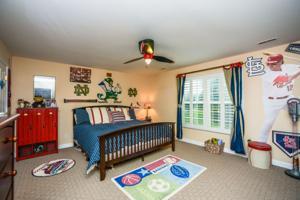 bedroom-p642425.jpg