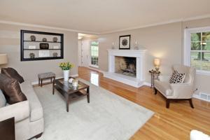 113 Hawthorne Estates-Family Rm.jpg