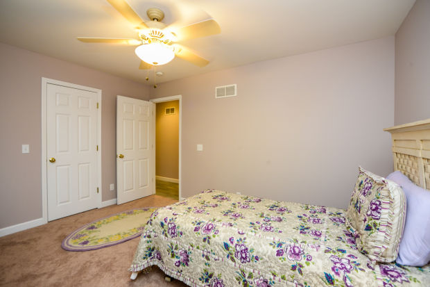 bedroom-p642418.jpg