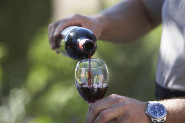 0927-div-wine3