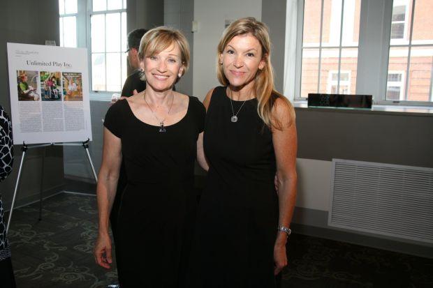 Wendy Sullivan, Amy Gwin