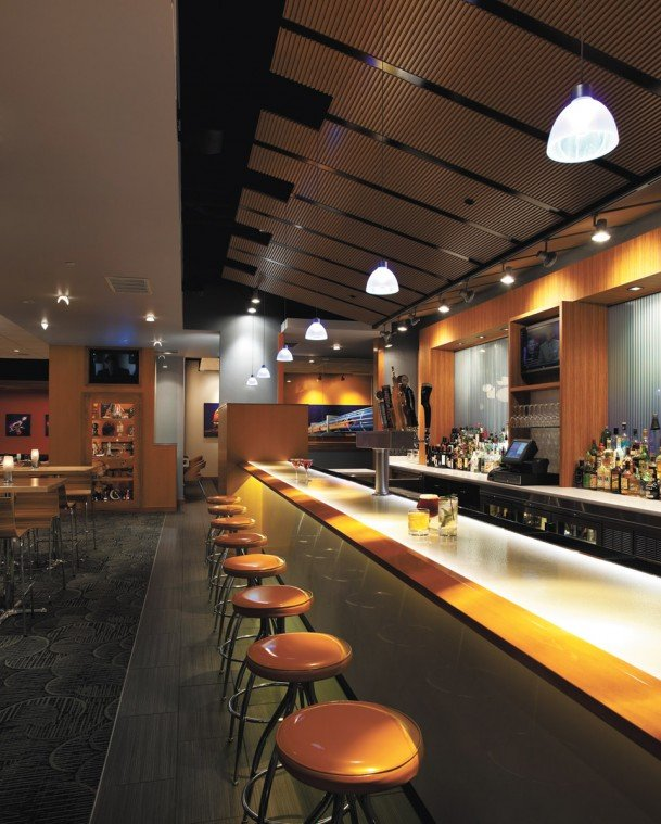 0427_moonrise_bar.jpg