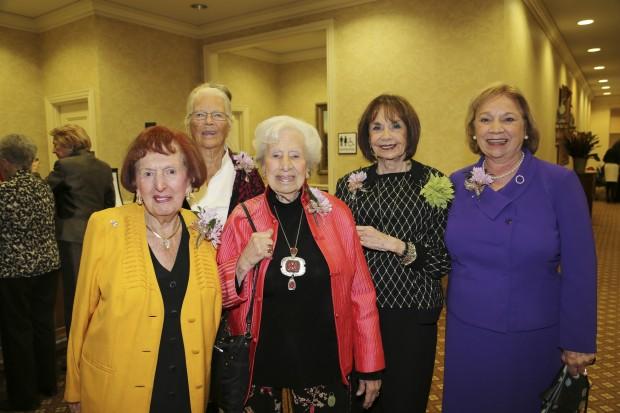 Lucy Lopata, Yvonne Logan, Gladis Barker, Cynthia Froehlichstein, Martha Kessel