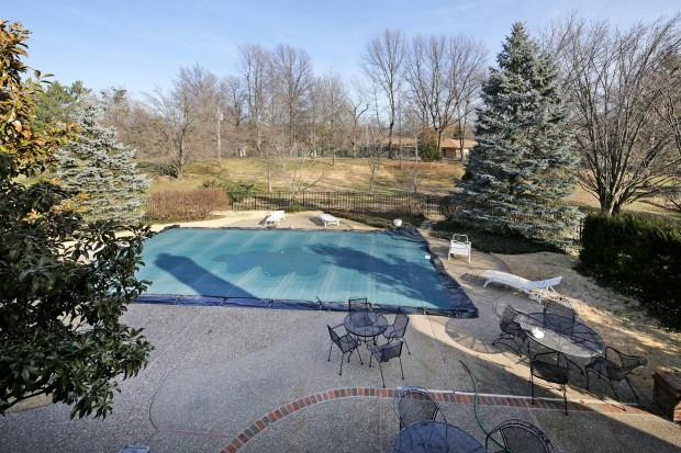 Chatsworth1136POOL.jpg