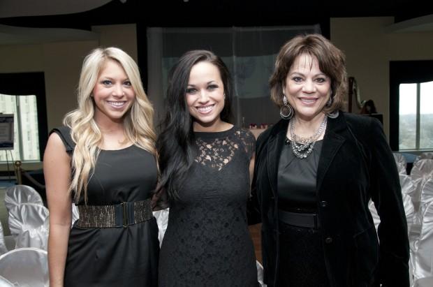 Kayla Knierim, Aimee Knebel, Christine Buck