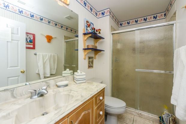 bathroom-p642424.jpg