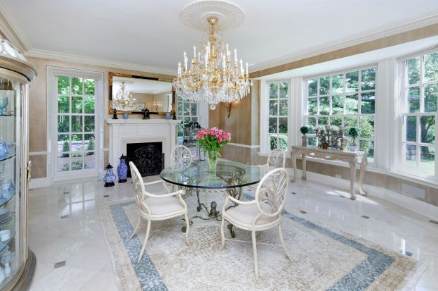 DP_AppleTree dining room.jpg