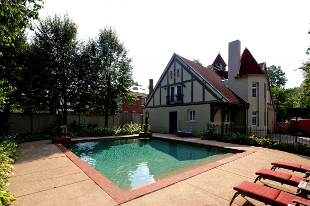 22 Westmoreland Place pool