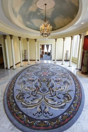 Saint Louis Club Garden Foyer