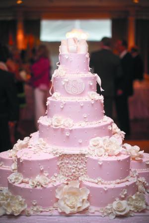 1021_ELwed7_cake.jpg